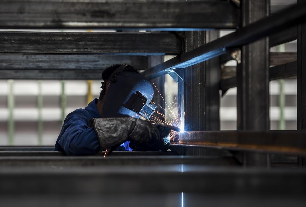 Fabricarea si montajul structurilor metalice utilizand cea mai avansata tehnologie din domeniu