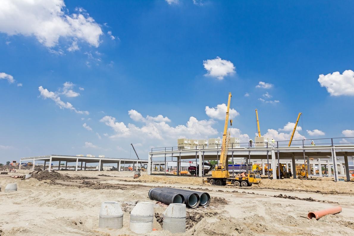Constructii civile si industriale. Constructia si reabilitarea cladirilor multifunctionale, administrative, hale industriale, fundatii infrastructuri, amenajari de mediu si terasamente.